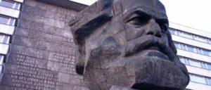 Marx in Chemnitz von Lew Jefimowitsch Kerbel (Foto: [url=https://commons.wikimedia.org/wiki/Karl_Marx?uselang=de#/media/File:Chemnitz-Marx-Monument.jpg]Wikimeda Commons[/url])
