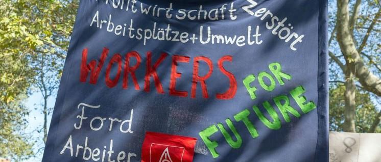 Kein Widerspruch: Automobilarbeiter demonstrieren für eine intakte Umwelt und für sichere Arbeitsplätze. (Foto: [url=https://www.flickr.com/photos/160866001@N07/48764735647]Marco Verch[/url])