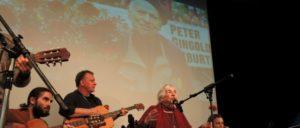 100 Jahre Peter Gingold, Matinee in Frankurt, Esther Bejarano mit Die Grenzgänger und Tacheles & Schmu (Foto: Tom Brenner)
