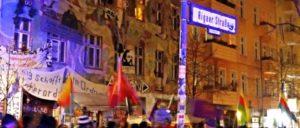 Proteste gehen weiter (Foto: [url=https://www.flickr.com/photos/hinkelstone/31664924084]Karl-Ludwig Poggemann[/url])