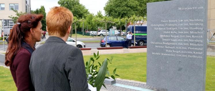 Im Juli 2015 wurde ein Denkmal für die NSU-Opfer in Dortmund eingeweiht. (Foto: DIE LINKE Nordrhein-Westfalen/Niels Holger Schmidt/flickr.com/CC BY-SA 2.0.)