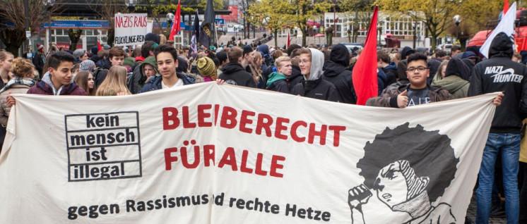 """Ein Beispiel für Dobrindts """"Anti-Abschiebe-Industrie"""": Antirassistischer Schulstreik in Kiel (Foto: Ulf Stephan/r-mediabase.eu)"""