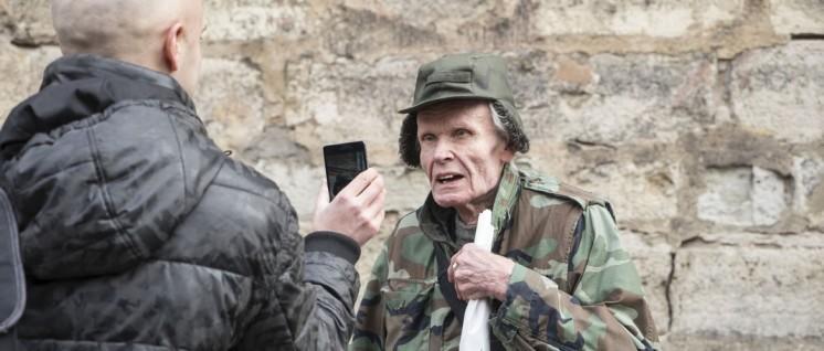 """""""Die da aufmarschieren, sind diejenigen, die den Holocaust in Lettland organisiert haben"""": Veteran der lettischen Waffen-SS. (Foto: Jochen Vogler, r-mediabase.eu)"""