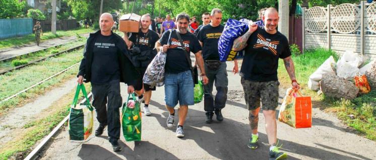 Die Antifaschistische Karawane bringt Hilfsgüter. (Foto: Alessandro Carlesso)