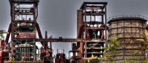 Stillgelegtes Hoesch Stahlwerk in Dortmund. Nicht auf dem Bild: die stillgelegten Kollegen. (Foto: Polybert49/flickr/CC BY-SA 2.0)