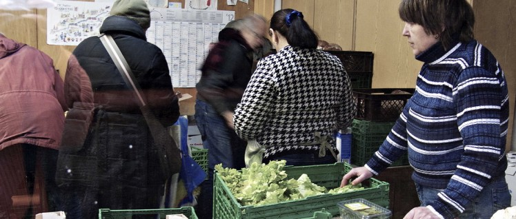 Hochkonjunktur an den Tafeln in Deutschland. Für immer mehr Menschen wird diese Versorgung lebensnotwendig. (Foto: Jochen Vogler / r-mediabase.eu)