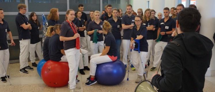 Unmut bei den Auszubildenden der Physiotherapie: Sie versorgen genauso viele Patienten wie die Festangestellten auch. Nur bekommen sie keine Vergütung dafür. (Foto: Schinder)