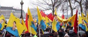 Das Zeigen von PKK-Symbolen und Öcalan-Portraits ist schon lange verboten. (Foto: [url=https://en.wikipedia.org/wiki/File:Pkk_supporters_london_april_2003.jpg]wikipedia[/url])