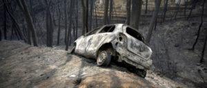 Viele der Todesopfer starben in ihren Autos, als sie bei der Flucht aus Mati in kleinen Straßen im Stau steckenblieben und vom Feuer eingekreist wurden. (Foto: KKE)