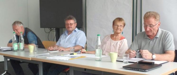 Viel Sachkunde war auf dem Podium vertreten: Winfried Wolf, Achim Bigus, Anne Rieger und Uwe Fritsch (von links nach rechts) (Foto: DKP Braunschweig)