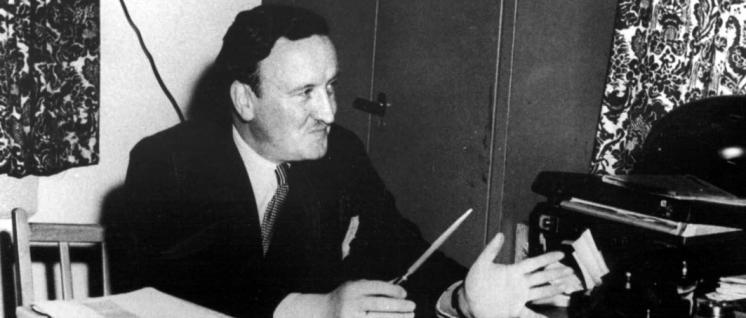 Schnell wieder in Amt und Würden: Hermann Josef Abs in der Kreditanstalt für Wiederaufbau 1949 in Frankfurt am Main. (Foto: Unbekannt / wikimedia.org / CC BY-SA 3.0)