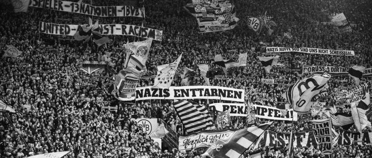 Es geht auch anders– BVB Fans gegen Rechts! (Foto: imago)