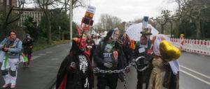 Öffentlichkeitswirksame Aktion zur Elefantenhochzeit von Bayer und Monsanto am 31.Januar (Foto: Coordination gegen Bayer-Gefahren e.V.)