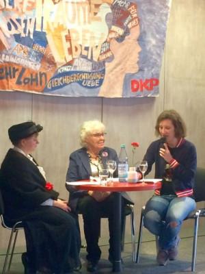 DKP-Veranstaltung zum Internationalen Frauentag 2018: Drei Frauen – drei Generationen im Gespräch über 100 Jahre Frauenbewegung und die heutigen Aufgaben der Frauenbewegung und der Kommunistinnen und Kommunisten.