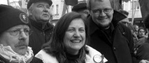 Karin Binder ist Bundestagsabgeordnete für die Linkspartei und war früher Regionsvorsitzende des DGB-Mittelbaden und ist heute Verbraucherpolitikerin und Ernährungspolitische Sprecherin ihrer Fraktion.