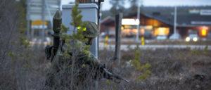 """Deutscher Panzergrenadier sichert den Angriff mit gepanzerten Infanterie-Kampffahrzeugen im norwegischen Drevsjo während des NATO-Manövers """"Trident Juncture"""" vom 25.Oktober bis 23 November 2018. (Foto: SGM Marco Dorow, German Army)"""