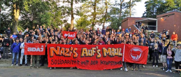 """Die SDAJ solidarisierte sich auf dem """"Festival der Jugend"""" mit der Keupstraße. (Foto: SDAJ)"""