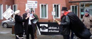 Protest gegen die Verfolgung von Betriebsräten und Gewerkschaftern vor der Waterland-Zentrale in Düsseldorf. (Foto: Uwe Koopmann)