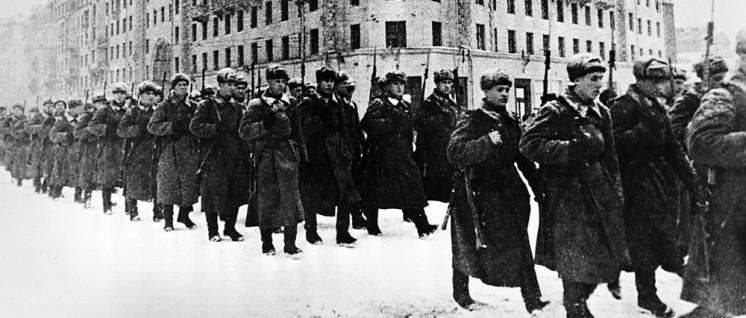 1. Dezember 1941, frische Kräfte gehen an die Front (Foto: RIA Novosti archive, image #429/Oleg Ignatovich/CC-BY-SA 3.0)