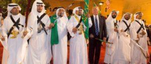 Präsident Donald Trump und der König Salman bin Abdulaziz Al Saud beim gemeinsamen Säbelrasseln in Riad (20.Mai 2017). (Foto: The White House)
