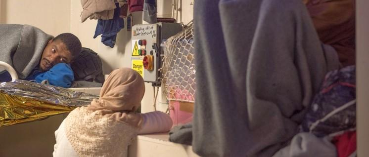 Auf der Flucht vor dem Krieg an der EU-finanzierten libyschen Küstenwache vorbeigekommen: Ende 2018 gerettete Flüchtlinge auf der Seawatch 3 (Foto: Sea-Watch Org)