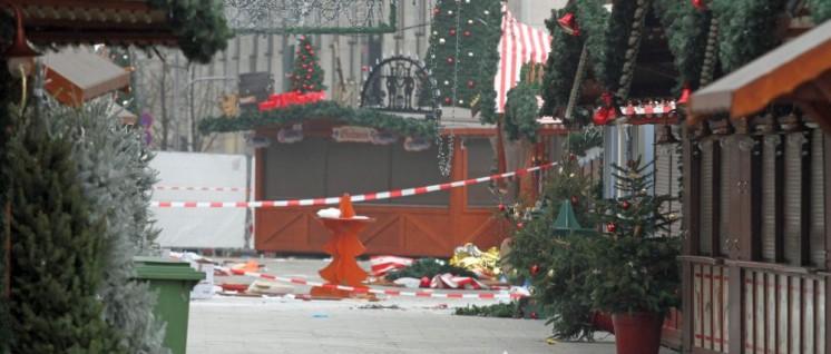 Der verwüstete Breitscheidplatz nach dem Attentat (Foto: [url=https://www.flickr.com/photos/andreastrojak/31731061626]Andreas Trojak/flickr.com[/url])