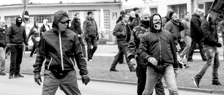 Der Hass marschiert auf unseren Straßen … (Foto: Caruso Pinguin/flickr.com/CC BY-NC 2.0)