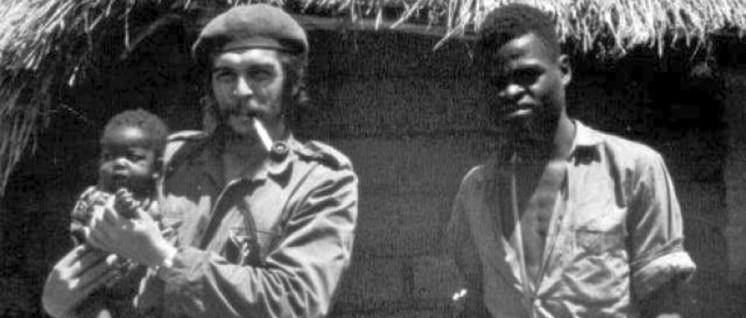 """Che Guevara: """"Wo immer ich auch bin, werde ich die Verantwortung fühlen, ein kubanischer Revolutionär zu sein, und als solcher werde ich handeln."""" (Foto: public domain)"""