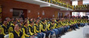 305 ehemalige Mitglieder der revolutionären Streitkräfte FARC-EP erhalten in Bogota Urkunden, die die Abgabe ihrer Waffen bestätigen (12. Juni 2017). (Foto: UN Photo/Renata Ruiz)