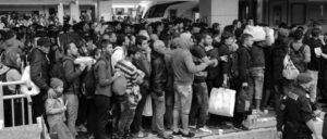 Österreich, noch nicht eingezäunt: Im September wollen Flüchtlinge, die aus Ungarn gekommen waren, über den Wiener Westbahnhof nach Deutschland weiterreisen. (Foto: bwag/wikimedia.org/CC BY-SA 4.0)