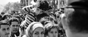 Der Festung Europa über die Schulter geschaut: Am Grenzübergang Gevgelija. (Foto: Dragan Tatic/Bundesministerium für Europa, Integration und Äusseres/wikimedia.org/CC BY 2.0/Arbeitsbesuch_Mazedonien_(20270358044)_(cropped).jpg)