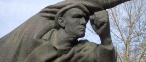 Denkmal für deutsche Spanienkämpfer in Berlin-Friedrichhain von Fritz Cremer (Foto: [url=https://commons.wikimedia.org/wiki/File:Fritz_Cremer_Spanien_2.jpg]SpreeTom/Wikimedia Commons[/url])