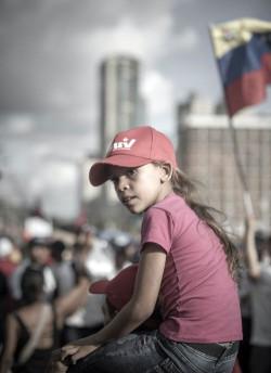 Eine junge Anhängerin der regierenden PSUV