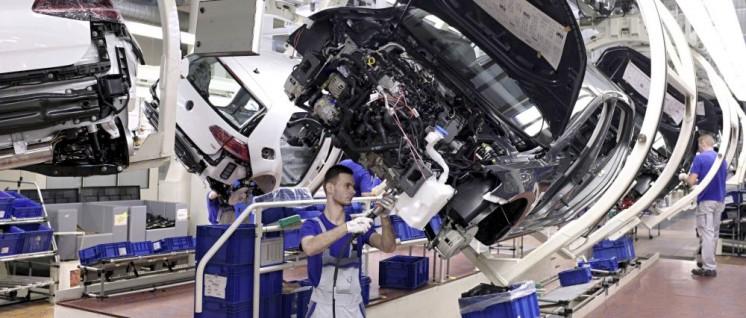 Montage im VW-Werk Wolfsburg (Foto: Volkswagen AG 2015)