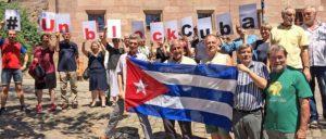 Protest gegen das Helms/Burton-Gesetz bei der Bundesdelegiertenkonferenz der Freundschaftsgesellschaft BRD-Kuba am vergangenen Wochenende in Nürnberg (Foto: Tom Brenner)