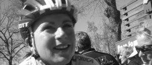 Die bei Olympia schwer gestürzte niederländische Radfahrerin Annemiek van Vleuten im April 2016 nach dem La Flèche Wallonne (Wallonischer Pfeil), dem belgischen Ein-Tages-Klassiker. (Foto: Hoebele, CC-BY-SA-4.0)
