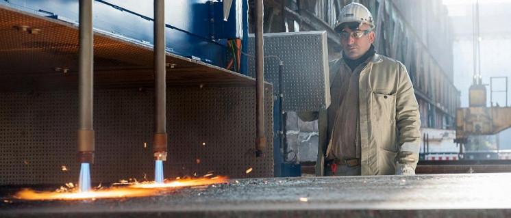 Bearbeitung von Stahlbrammen bei Thyssenkrupp in Duisburg-Süd (Foto: Thyssenkrupp Steel Europe)