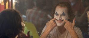 """""""Joker"""" ist der erfolgreichste Film mit einem R-Rating– (Freigabe nur für Besucher, die über 17 Jahre alt sind) und hat damit die bisherigen Spitzenreiter """"Deadpool"""" und """"Deadpool 2"""" überholt.                          (Foto: Warner Brothers)"""