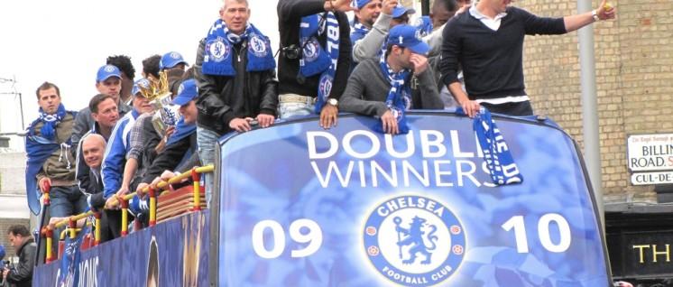 Der britische Erstligaklub Chelsea spielt und siegt zu Ruhm und Ehre des russischen Multimilliardärs Roman Abramovich. (Foto: Creative Commons Attribution 3.0 Unported)