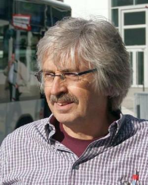 Axel Köhler-Schnura ist ehrenamtliches Vorstandsmitglied der Coordination gegen Bayer-Gefahren und Gründungsmitglied des Dachverbandes der Kritischen Aktionärinnen und Aktionäre.