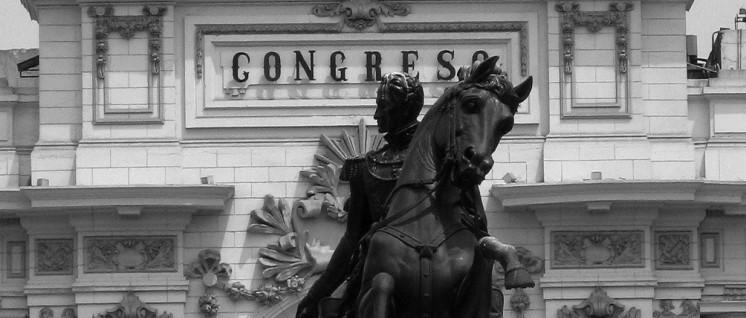 Simón Bolívar ist das Symbol für integrative Politik in Lateinamerika. Das Foto zeigt die Reiterstatue des Unabhängigkeitskämpfer und Nationalhelden vieler Länder der Region in Lima. (Foto: Pohl)