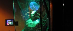 """Die Transhumanisten preisen unter anderem Wunderchips und/oder -prothesen an. Ganz so wie den Cyborgs aus der Serie """"Star Trek"""", die nur als Teil eines großen """"Kollektivs"""" leben können, soll es den  Menschen der Zukunft aber wohl nicht ergehen … (Foto: Marcin Wichary/ wikimedia.com/ CC BY 2.0)"""