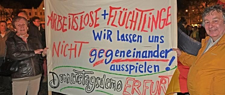 Protest vor der Sicherheitszone des AWACS-Fliegerhorstes Geilenkirchen. (Foto: Herbert Schedlbauer)