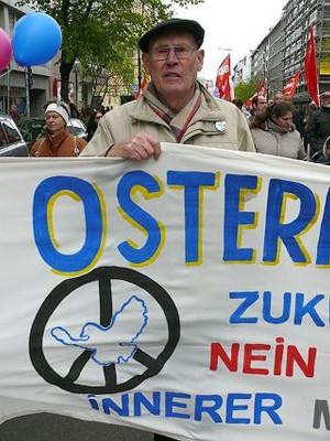 Willi Hoffmeister ist ehemaliger Hoesch-Arbeiter und aktiv in der Friedensbewegung und in der Gewerkschaft IG Metall.