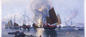 Ein Schiff der britischen East India Company zerstört chinesische Dschunken (Foto: wikimedia.org/public domain)