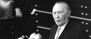 Lesung der Pariser Verträge im Deutschen Bundestag am 25.Februar 1955. Rede Konrad Adenauers.