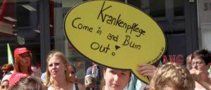 Plegekräfte protestieren gegen unzumutbare Arbeitsbedingungen: Die große ver.di-Demonstration am 20.Juni in Düsseldorf (Foto: Werner Sarbok)