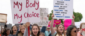 Mein Körper, meine Wahl!: Demonstration gegen das Verbot von Schwangerschaftsabbrüchen in St. Paul, Minnesota (Foto: [url=https://www.flickr.com/photos/number7cloud/47113308954]Lorie Shaull[/url])