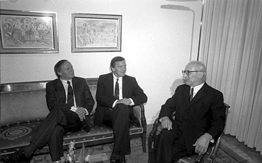 Gespräch zwischen Erich Honecker, Oskar Lafontaine und Gerhard Schröder