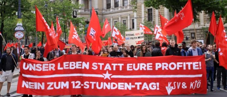 Die KJÖ macht mobil gegen den 12-Stunden-Tag, wie hier in Wien. (Foto: KJÖ)
